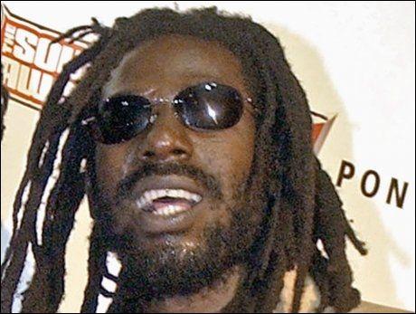 FENGSELSDØMT: Den prisvinnende reggaestjernen Buju Banton forsøkte å selge kokain til en verdi av nærmere 700.000 kroner. Foto: Ap