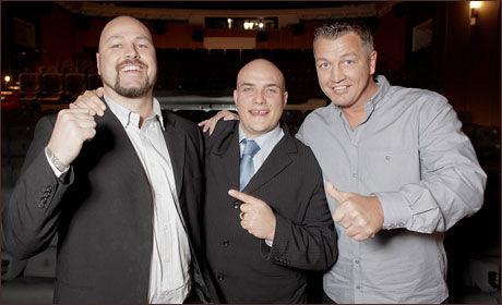 - KJEDELIGE: Thomas Hansvoll (t.v.) mener Klitsjko-brødrene er kjedelige. Her er han sammen med Ole Klemetsen (t.h.) og Viasat-kommentator Kyrre Merg. Foto: Scanpix