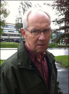 NABO: Bernt Albert Stensrud bor i samme blokk, men i en annen oppgang, enn Anders Behring Breivik. Foto: Janne Grytemark