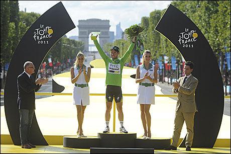ENDELIG I GRØNT: Mark Cavendish vant poengtrøya for første gang i karrieren. Foto: AP