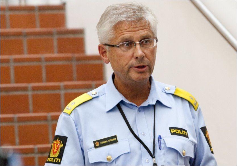 - VAR ALENE: Visepolitimester Sveinung Sponheim forteller at Brevik har forklart at han var alene da han gjennomførte terroraksjonen. Foto: SCANPIX