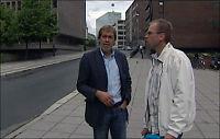 Her advarer han mot bilbomben - på NRK i 2006
