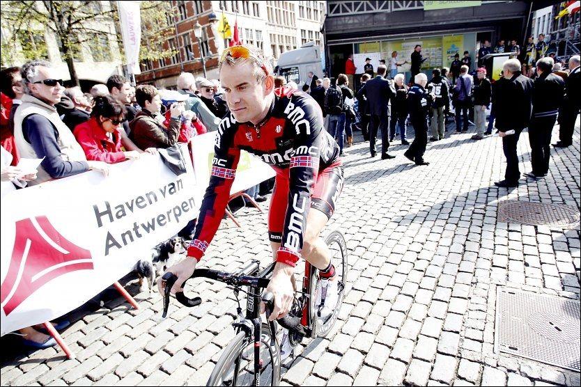LAGSKIFTE: Alexander Kristoff er i ferd med å forlate BMC. I slutten av august vil han signere med et nytt lag. Han vil ikke si noe om hvor han kan havne. Foto: Scanpix