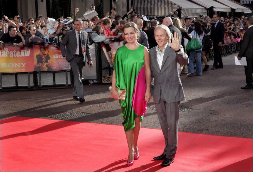 VALGKAMPFILM: Filmregissøren Harald Zwart har laget valgkampfilm for Østfold Høyre. Her sammen med kona Veslemøy unde premieren på Karate Kid-filmen i London i fjor. Foto: NINA EIRIN RANGØY