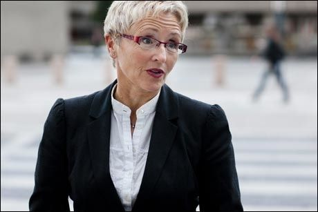 REAGERER: Liv Signe Navarsete mener at de store summene beviser at konkurranseutsetting ikke lønner seg. Foto: Markus Aarstad/VG