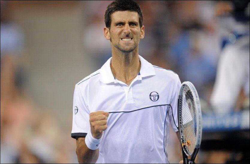 JUBEL: Novak Djokovic kunne knytte neven i jubel for sin første US Open-seier. Serberen ble også historisk som den femte spilleren som har vunnet tre Grand Slam-turneringer i samme sesong. Foto: Pa Photos