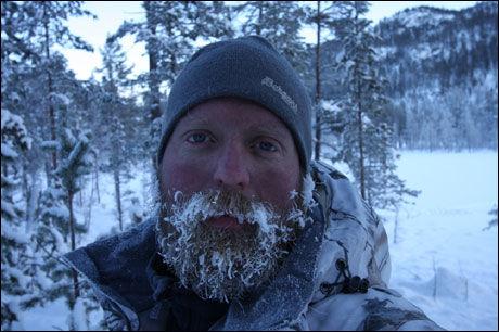 KALDT: Kristoffer Clausen (34) la ikke skjul på at det var tøft da vinteren var på det kaldeste. Foto: Privat