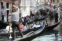 Venezia drukner i turister