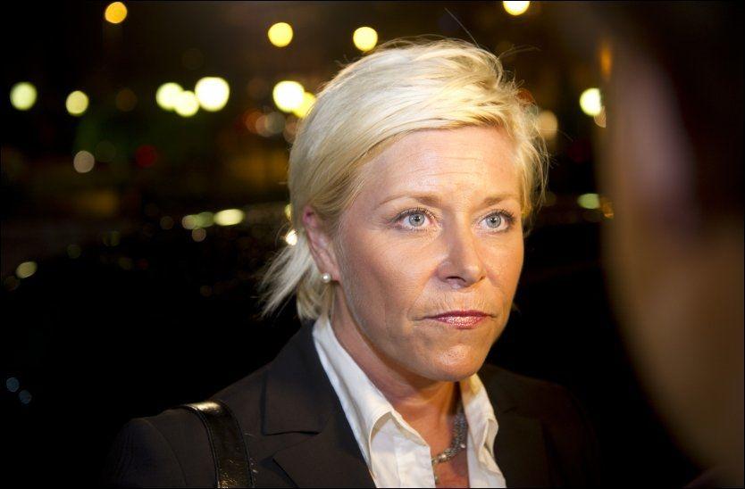 UBEHAGELIG: Frp-leder Siv Jensen har holdt seg unna mediene mens hun har vært på ferie og en ny sex-skandale har rystet Frp. Foto: Scanpix