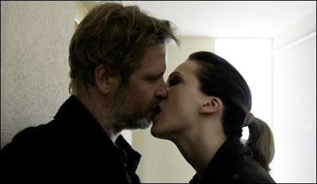 KINOPAR: Trond Espen Seim og Ane Dahl Torp i rollene som Varg Veum og Elise. Foto: Miklos Buk/ SF Norge