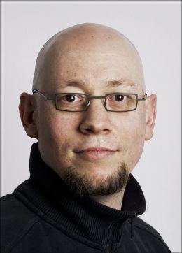 - BRY DEG: Spillekspert Rune Fjeld Olsen oppfordrer foreldre til å sette seg inn i barnas spillhverdag. Foto: Frode Hansen