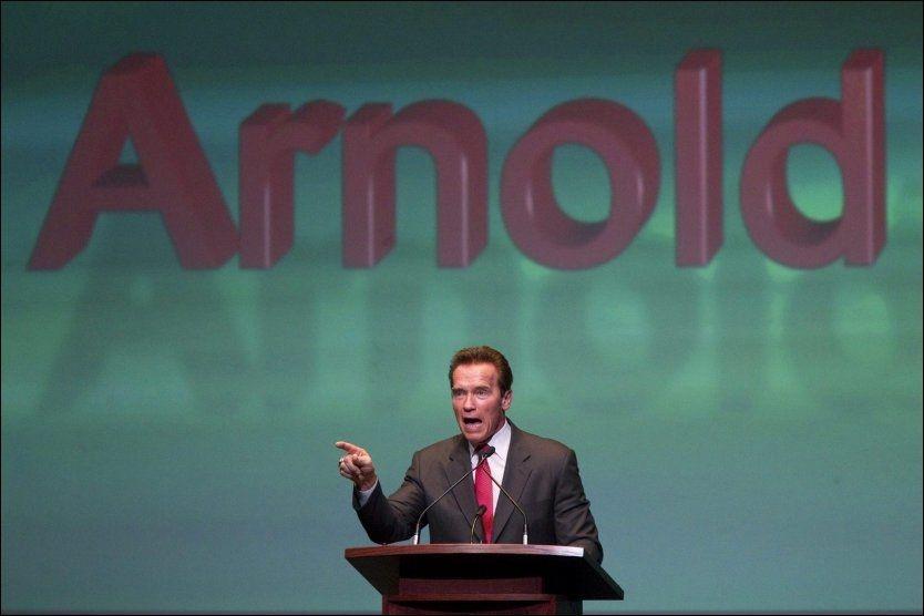 TIL NORGE: Tidligere California-guvernør Arnold Schwarzenegger kommer til Norge mandag for å snakke om klimaet, og du kan stille ham spørsmål. Foto: AP