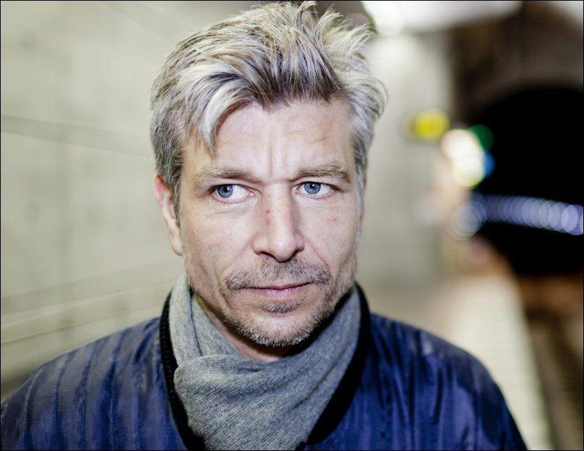 AVSLUTTER ROMANSERIEN «MIN KAMP»: Karl Ove Knausgård (42) får terningkast 4 av VGs anmelder Sindre Hovdenakk. Foto: Anders Hansson/Dagens Nyheter