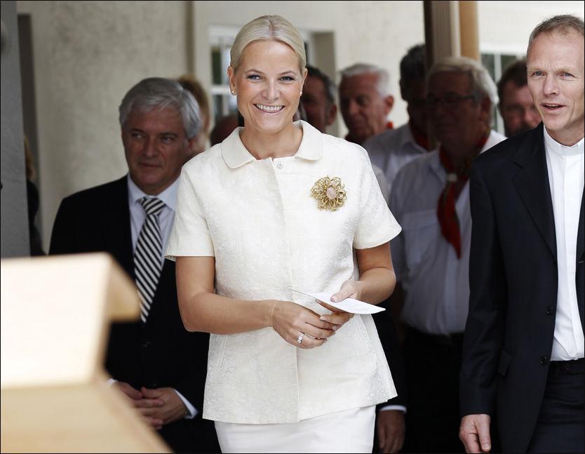 TETT PÅ: Kronprinsesse Mette-Marit er blitt fulgt tett av NRK-journalist Kirsti Marie Skrede det siste året. Foto: Scanpix
