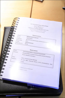 RAPPORTEN: Det er denne rapporten som konkluderer med at Anders Behring Breivik er strafferettslig utilregnelig. Foto: CORNELIUS POPPE, SCANPIX