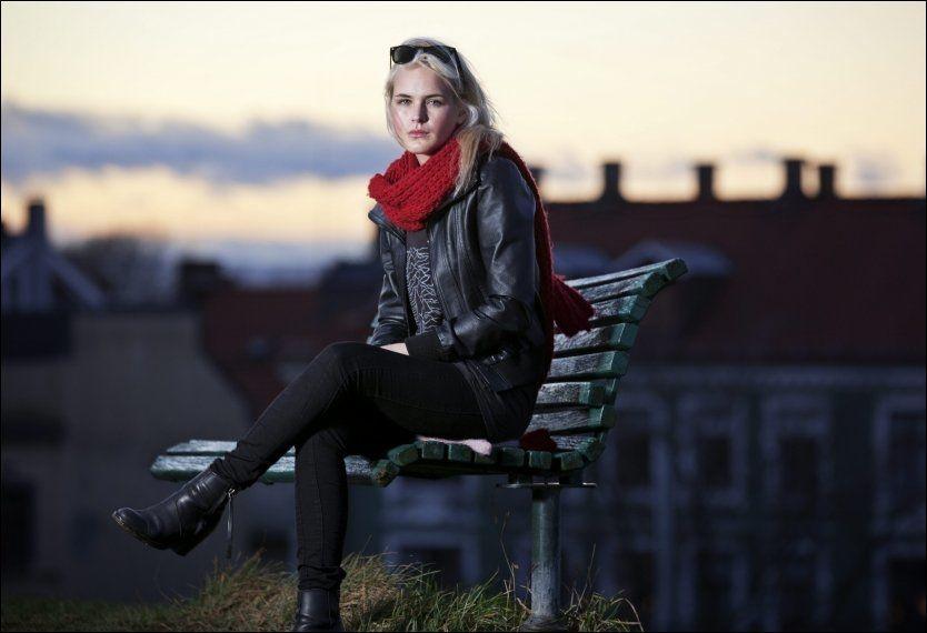 ÅPNEHJERTIG: Den populære bloggeren Linnéa Myhre (21) er aktuell i den nye NRK-serien «La Linnéa leve». Hun håper hennes innsats vil bidra til mer åpenhet om depresjoner og spiseforstyrrelser. Foto: Jørgen Braastad