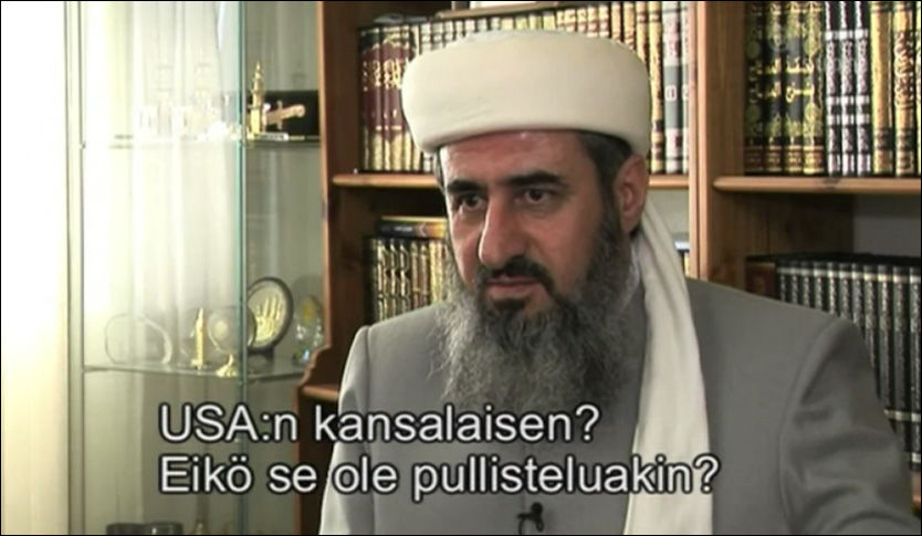 KLAR TALE: Her blir mulla Krekar intervjuet på finsk fjernsyn. Foto: MTV3