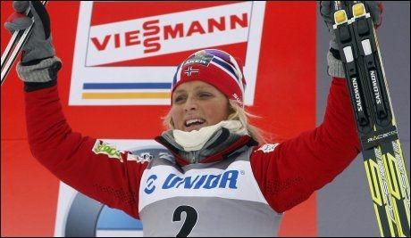 NY SEIER TIL JOHAUG: Therese Johaug får Dialektprisen 2011. Foto: Ap