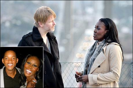 FRA WILL TIL VARG: Fumi Desalu-Vold jobbet med Will Smith i «Hancock». 20. januar får vi se henne med Trond Espen Seim i «Varg Veum - De døde har det godt». Foto: Privat/SF Norge AS.
