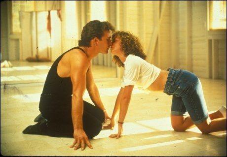 TORSDAG 29.: Patrick Swayze og Jennifer Grey i «Dirty Dancing» på TVNorge. Foto: TVNorge