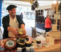 KJØPETIPS: Cabrales-ost fra Asturias, noe å kjøpe med hjem til Norge, foreslår Karen Astrid Sand. Foto: Privat