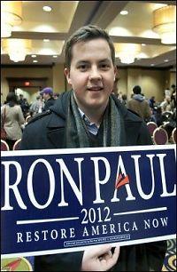 I kveld kan Ron Paul (76) vinne Iowa
