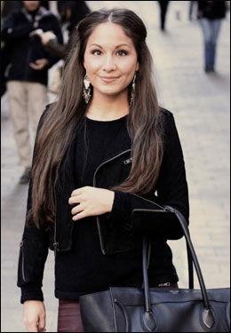 IKKE IMPONERT: VGs moteekspert Sonia Huanca Vold (26) har ikke mye til overs for Petter Stordalens nye look. Foto: Privat