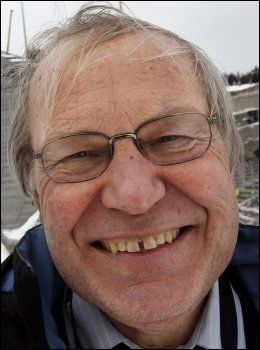 GLEDER SEG: Endelig får Arne Scheie muligheten til å kommentere fotball-EM igjen. Sist gang NRK hadde rettighetene var i 2000. Foto: Scanpix