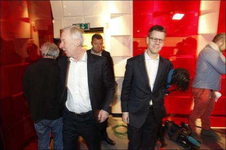 LANGSIKTIG: Konsernsjef i Egmont, Steffen Kragh, understreker at kjøpet av TV 2 ikke vil få nnoen konsekvenser for kanalens programprofil. Her sammen med TV 2-redaktør Alf Hildrum. Foto: Hallgeir Vågenes