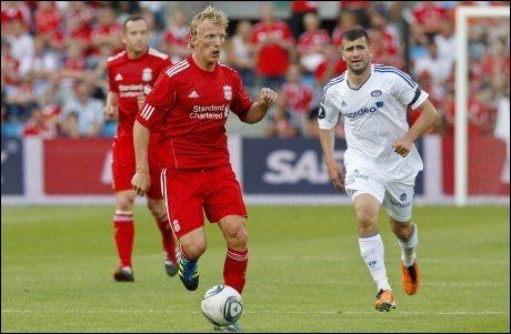 BYTTER BEITE: Adnan Haidar (t.h.) har skrevet under en avtale med Stabæk. Her er han i spill for Vålerenga mot Dirk Kuyt og Liverpool Foto: Scanpix