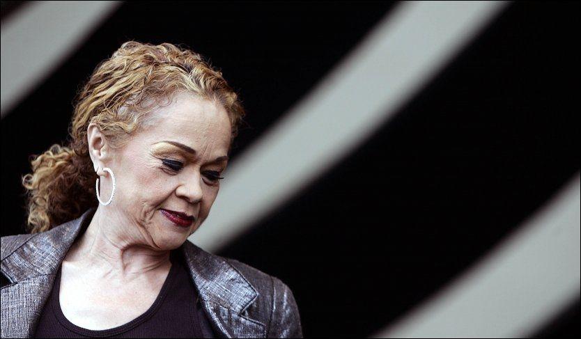 DØD: Sangerinnen døde av leukemi, 73 år gammel. Foto: AP