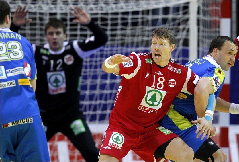 KLAR TALE: Johnny Jensen er ikke i tvil om hva som nå bør gjøres etter Norges exit fra EM. Foto: Scanpix
