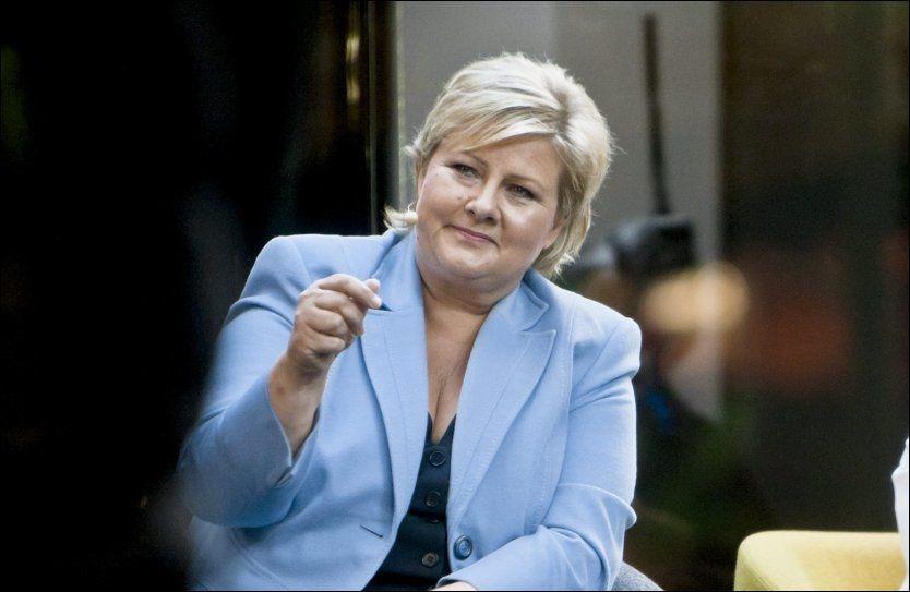 VIL SE TIL SVERIGE: - Sverige valgte å holde igjen på utgiftene. Den svenske regjeringen satset på utdannelse, moderate og målrettede skattelettelser og reformer som skal gjøre det mer lønnsomt å jobbe, sa Høyre-leder Erna Solberg. FOTO: KRISTER SØRBØ / VG