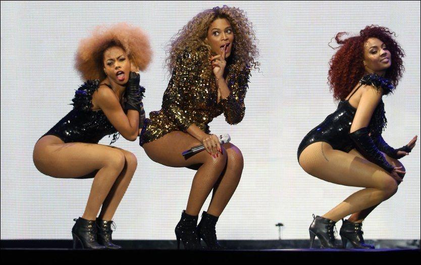 STOR BAKDEL=STOR FORDEL: Beoyncé Knowles (i midten) er verdensberømt for å være «bootylicious». Det at hun i tillegg har lite fett på magen, kan gjøre at hun lever lengre. Foto: Afp