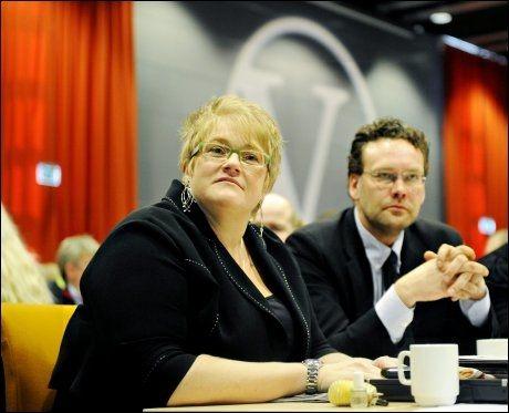 VALGT INN SAMMEN: Her er Trine Skei Grande og Helge Solum Larsen på Venstres landsmøte i 2010, der begge ble valgt til vervene sine. FOTO: JON OLAV NESVOLD/VG.