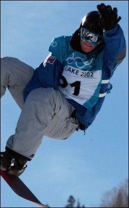 VETERAN: Her er Lisa Wiik avbildet under finaleomgangen i OL i Salt Lake City for ti år siden. Hun endte til slutt på en tidenplass den gangen. Foto: Lise Åserud, Scanpix