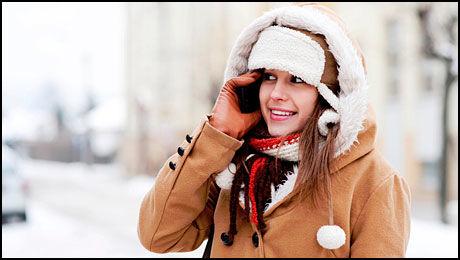 Det er store forskjeller på hvor godt mobiltelefoner takler kulde.(Foto: IstockPhoto)