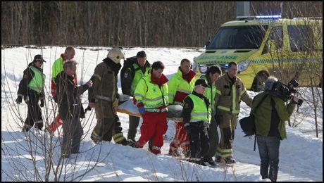 FLERE SKADET: En person er ifølge politiet hardt skadet mens flere andre har fått lettere skader. Foto: Stener Kalberg