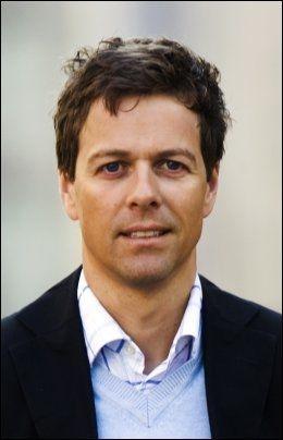 - VILLEDER: Knut Arild Hareide (KrF) sier Jens Soltenberg ikke hadde lest historieleksen sin før han stilte opp i Stortinget. Foto: Frode Hansen/VG Foto: