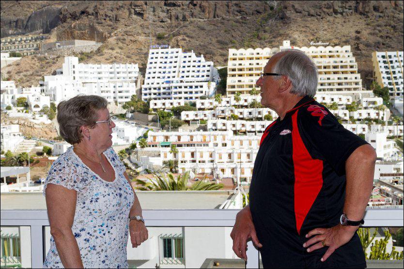 SINTE: Asbjørg Hansen (64) og Terje Blomseth (66) fra Bergen tapte pengene sine da CanariReiser gikk konkurs. Foto: Bård Ove Myhr
