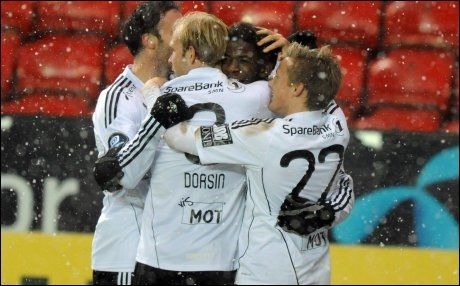 SENDES PÅ NETT: Rosenborg-spillerne, som her jubler etter en Mushaga Bakenga-scoring i november i fjor, kan følges på Canal Plus denne sesongen. Foto: Scanpix