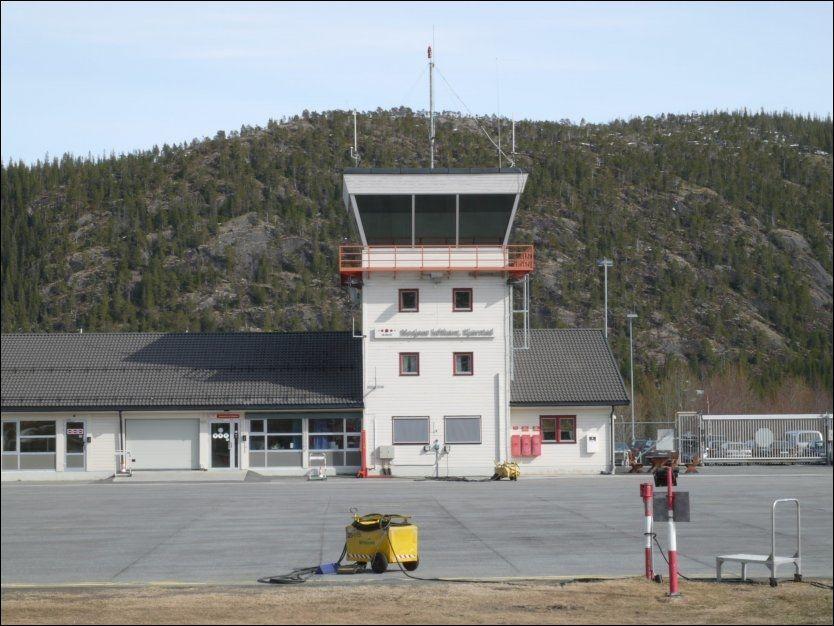MOSJØEN LUFTHAVN: Dette er en av flyplassene Avinor foreslår nedlagt. Foto: AVINOR