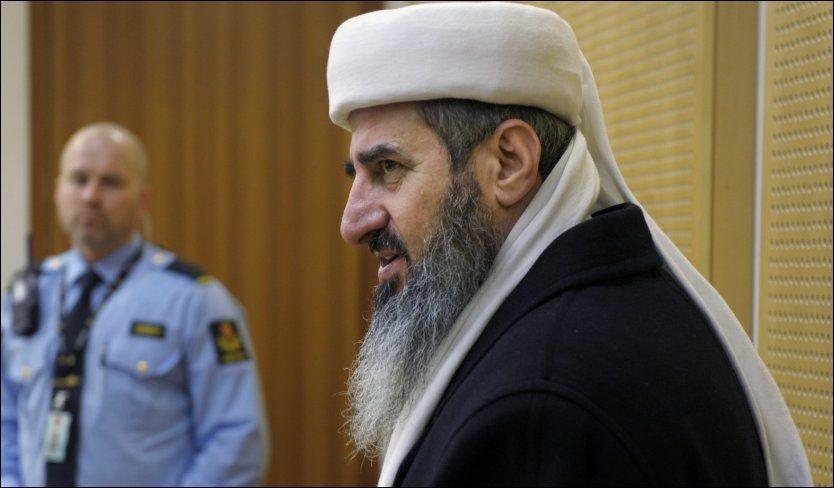 I RETTEN: Aktoratet har bedt om fem års fengsel for mullah Krekar. Foto: Helge Mikalsen