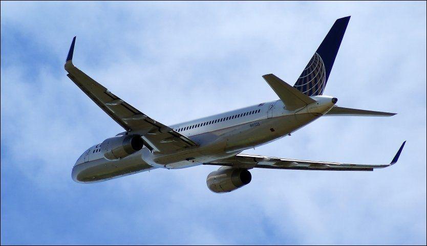 HØYTFLYVENDE: Et fly lakk avløpsvann over New York. Flyet på bildet er ikke det aktuelle flyet. Foto: Jan Ovind/VG