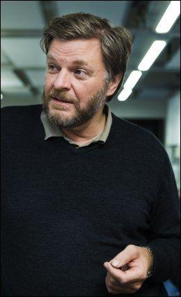 OVERMEDISINERER: Fagdirektør i Legemiddelverket, Steinar Madsen mener mange eldre får en unødvendig dose av kolesterolmedisiner. Foto: Scanpix