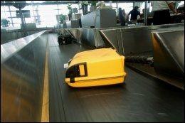 STERKE FARGER: Velg koffert som synes, da er det lettere å holde øye med den. Foto: ANNE ELISABETH NÆSS.