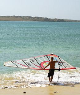 BOA VISTA: Denne øya som er en del av Kapp Verde, er bra for alle som liker fine strender og surfing. Photo: Scott Gog
