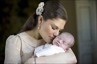 Her er de første bildene av Victoria og datteren