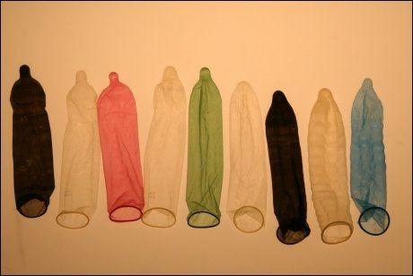 GRATIS UANSETT: Kondomer kan hvem som helst bestille gratis på nett. Nå vil altså Helsedirektoratet at også andre prenvensjonsmidler skal bli kostnadsfrie for de under 25. Foto: Terje Bringedal, VG