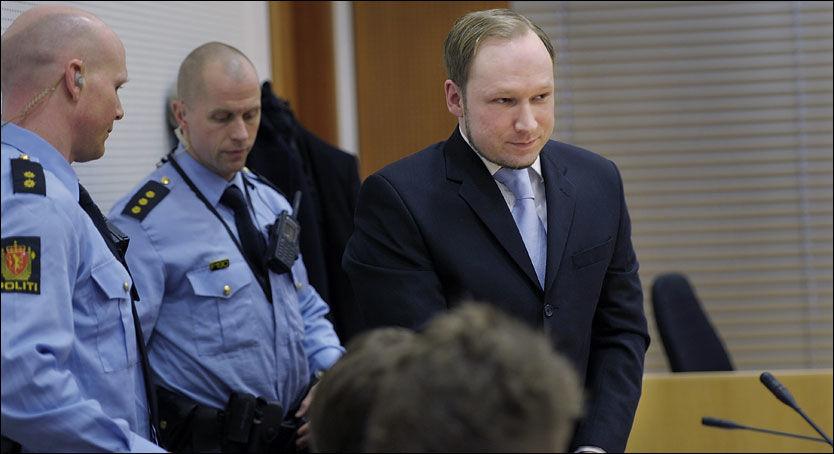 - JEG ER IKKE PSYKOTISK: Terrortiltalte Anders Behring Breivik (33) kjemper for at dommerne skal vurdere ham som tilregnelig under rettssaken, som starter 16. april. Foto: HELGE MIKALSEN
